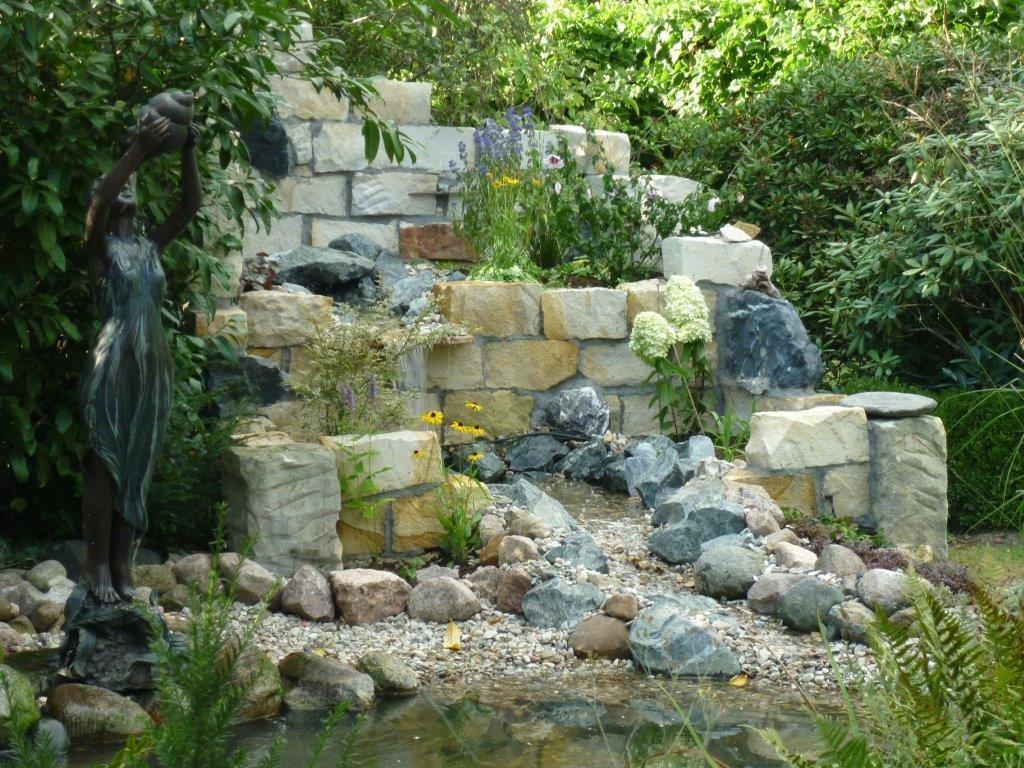 Natursteine Fur Den Garten Sauer Steinmetz